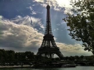 Ideal für Reisen oder einen Kurztrip, nach Paris, sind günstige Hotelgutscheine.